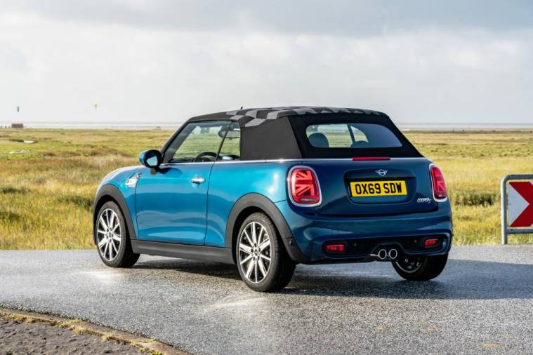 MINI Convertible Sidewalk Edition introduced