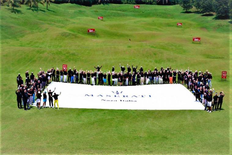 $!MCOM golfers tribute to sponsor Naza Italia Sdn Bhd, which offered a Mazerati Ghibli for the hole-in-one prize.