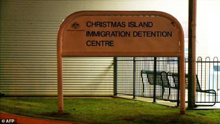 Australia announces reopening of offshore detention centre
