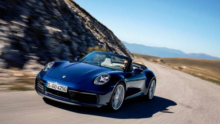 New Porsche 911 lands in cabriolet version