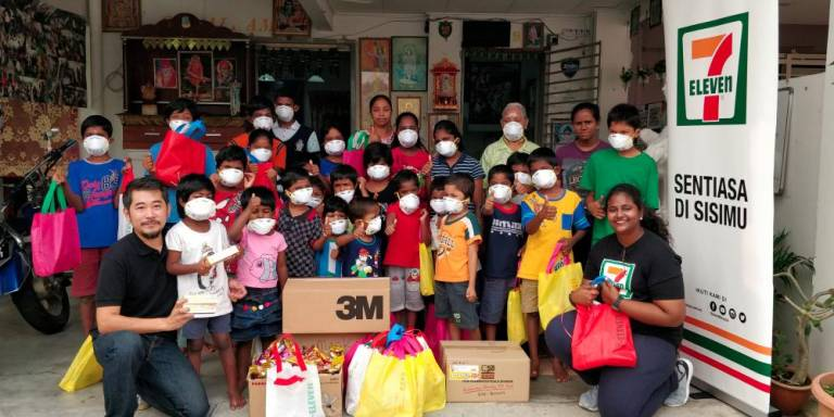 7-Eleven distributes face masks to disadvantaged communities