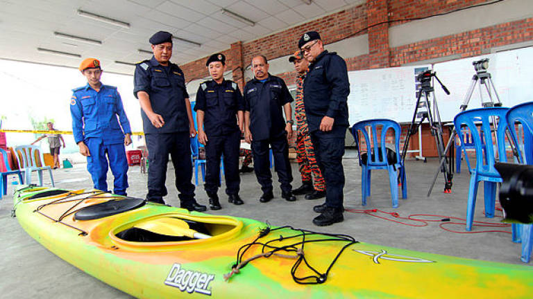 Family of missing Singaporean kayaker arrive at Kemaman Hospital