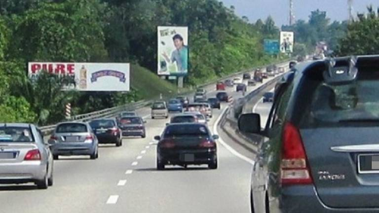 Interstate travel: Smooth traffic flow on major highways