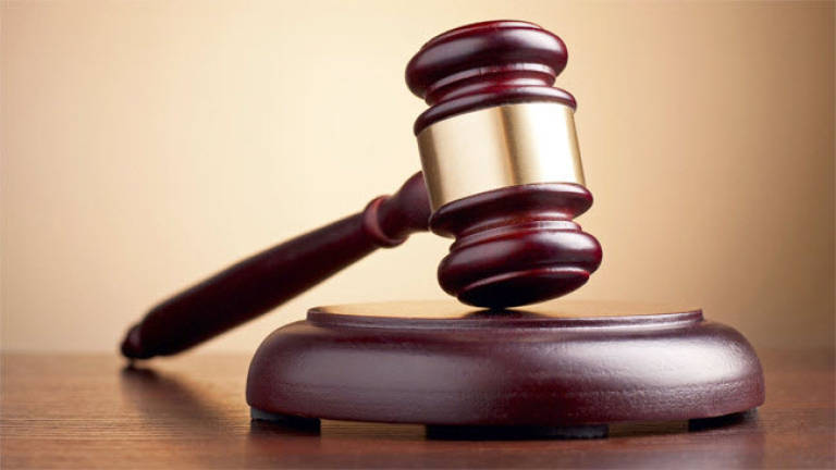 Man goes berserk in magistrate's court