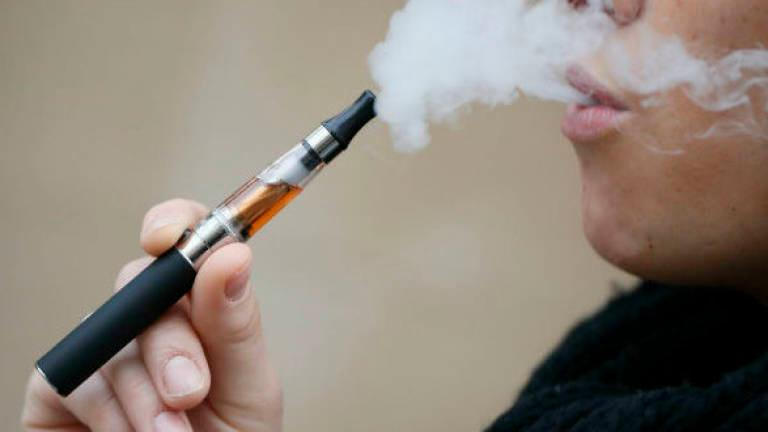 Vaping less harmful than cigarettes, UK body finds