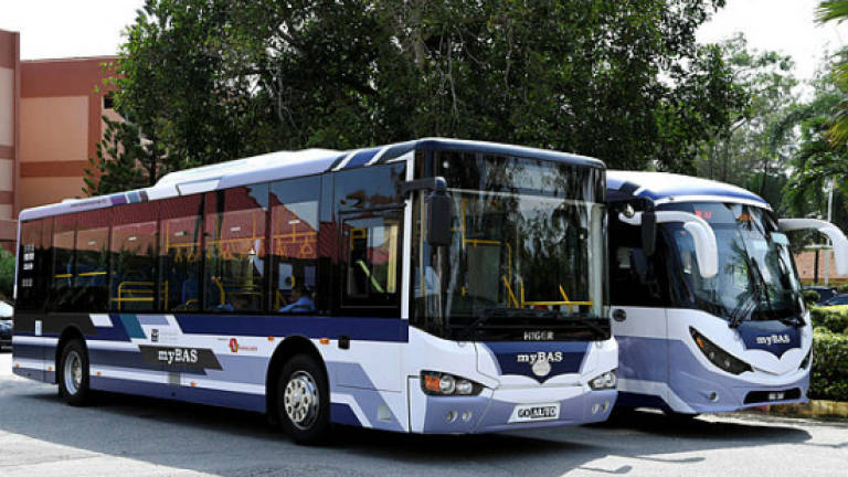 Bus operators required to provide cashless payment services: Loke