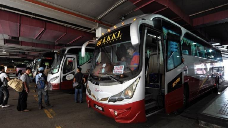 Bus driver dies while taking passengers to Penang