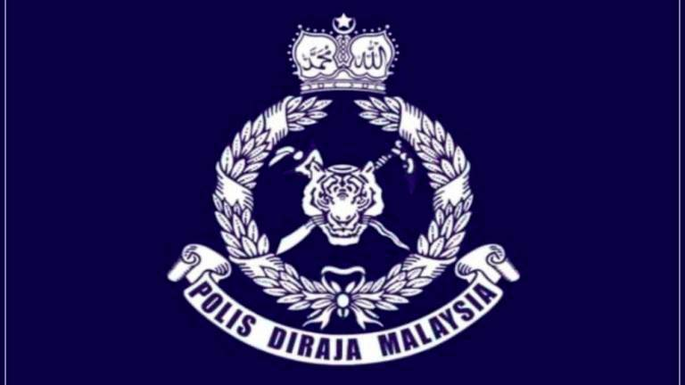 Cops looking for 'Bob Mah Sing' for crashing into cars near Sungai Buloh