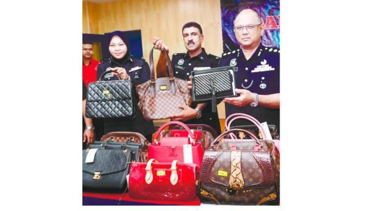 ATM and PDRM to collaborate in investigating a military officer stealing luxury bags case