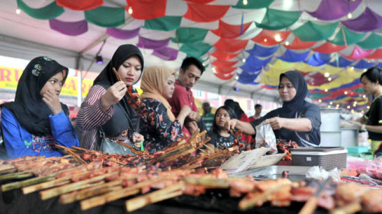 All hawkers not allowed to operate at residential areas throughout Ramadan