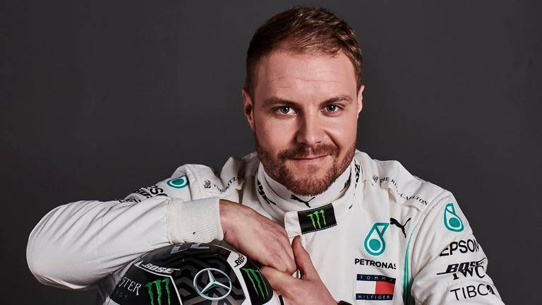 Bottas outpaces Hamilton as Mercedes set pace in Silverstone heat