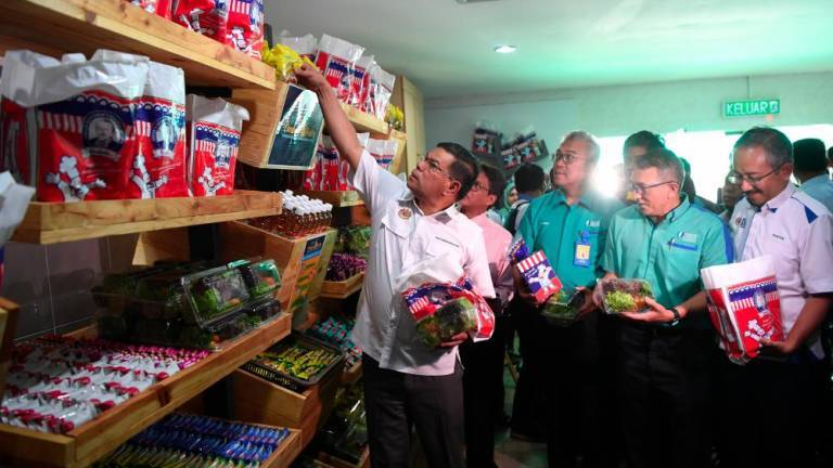 Food Bank Programme helps over 300,000 families