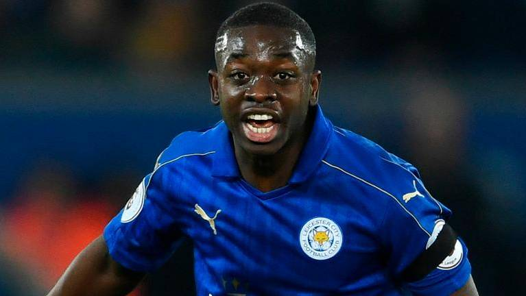 Leicester midfielder Mendy extends contract to 2022