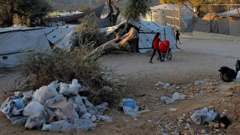 Squalid Greek migrant camp chief quits: Report