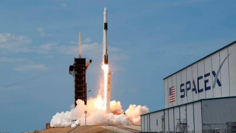 SpaceX craft departs ISS for Earth