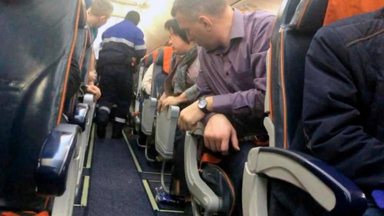 Man under influence of alcohol detained for abusing cabin crew