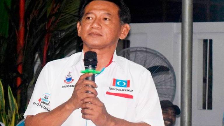 Putatan MP Awang Husaini denies leaving PKR
