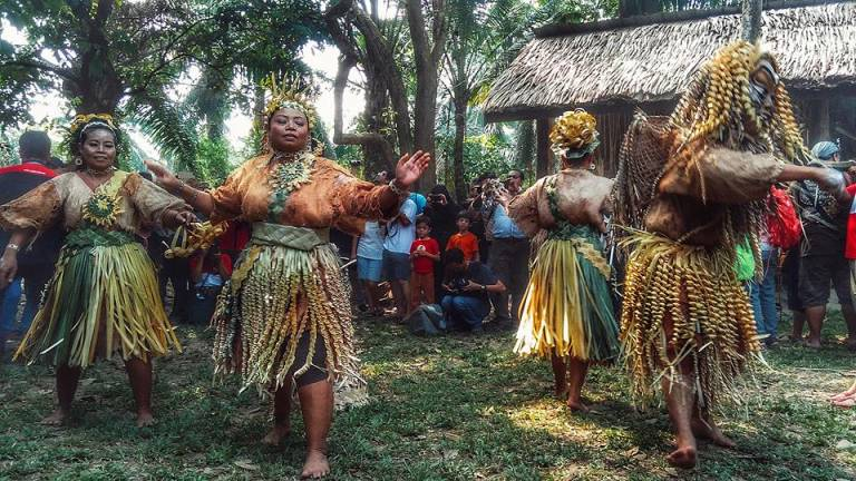 The Jo'oh dance is a ritual dance performed on the Hari Moyang (ancestors' day) by the Mah Meri community in Carey Island, Klang, as a form of ancestor worship to ensure their happiness and good fortune.