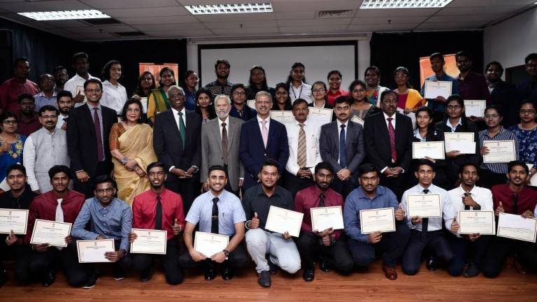 55 Malaysian students receive scholarship from Indian govt