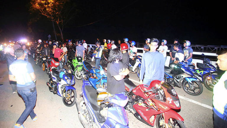 69 summons issued during Op Samseng jalanan at WCE