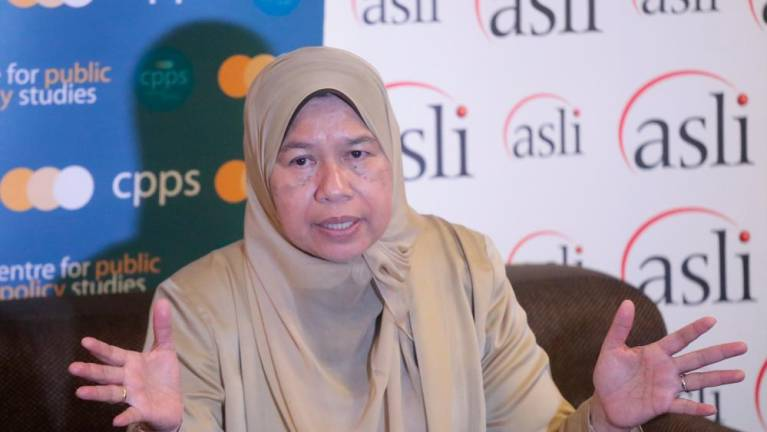 Claims of Azmin heading movement to leave PKR just rumours: Zuraida