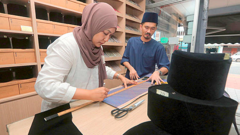 It's now compulsory for all male civil servants in Kelantan to wear songkok on Thursdays