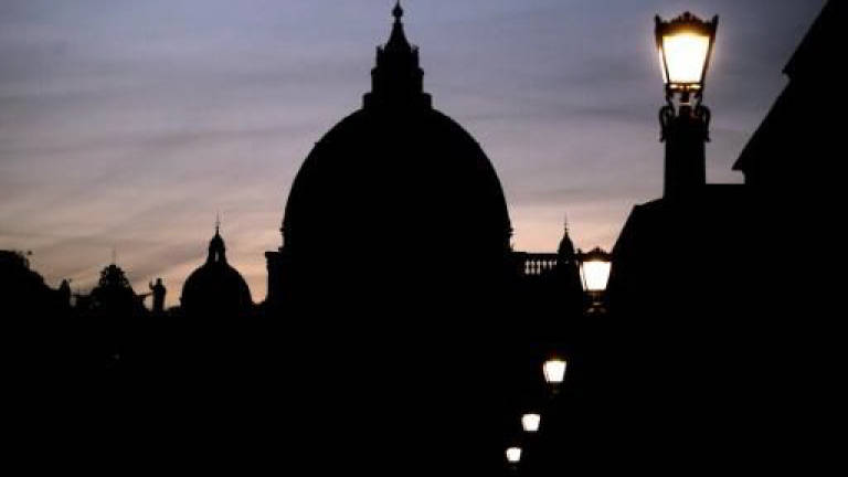 Cardinal's luxury pad probed in Vatican trial