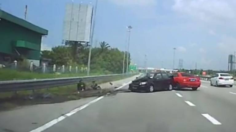 (Video) Two boys flung out of vehicle, escape unhurt