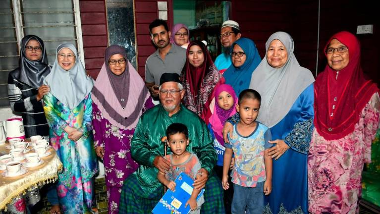 Rantau's Taman Sri Ramai residents get to see DPM in person