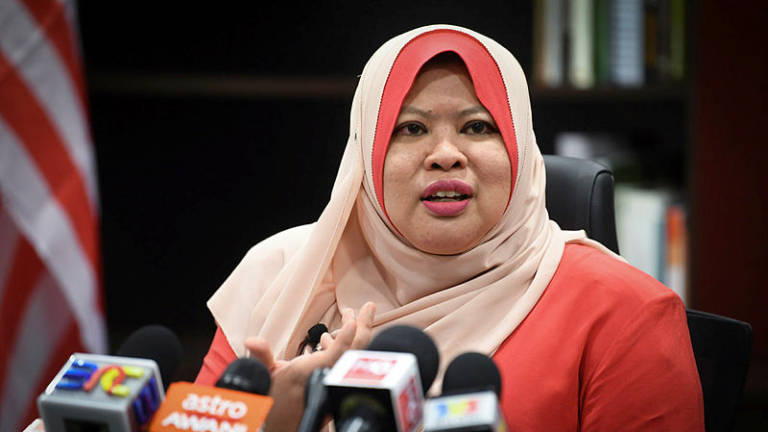 28 poor districts to be given special attention: Rina Harun