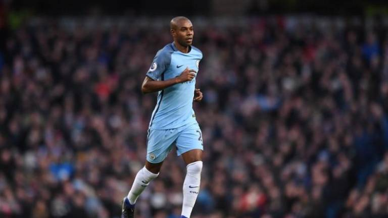 Guardiola in tough hunt for 'new' Fernandinho