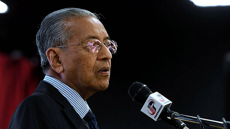 Smooth power transition shows M'sian democracy works: Mahathir