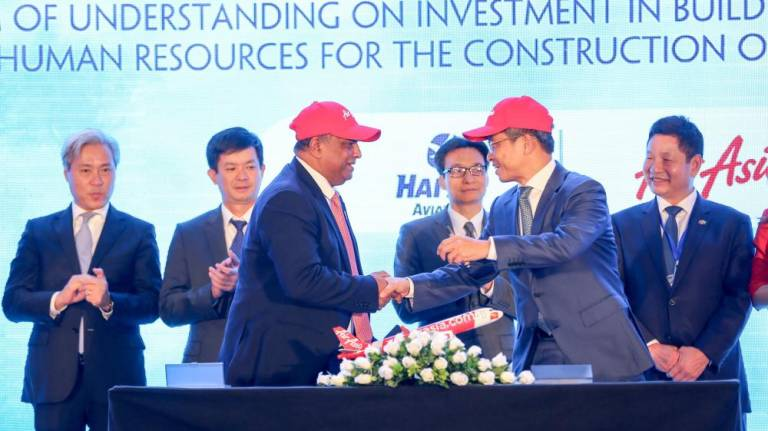 AirAsia reaffirms intention to set up LCC in Vietnam