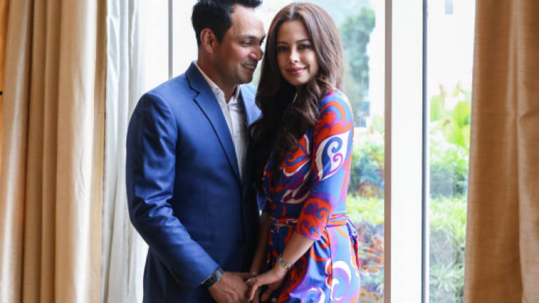 I Love Her to Death: Hans Isaac to wed