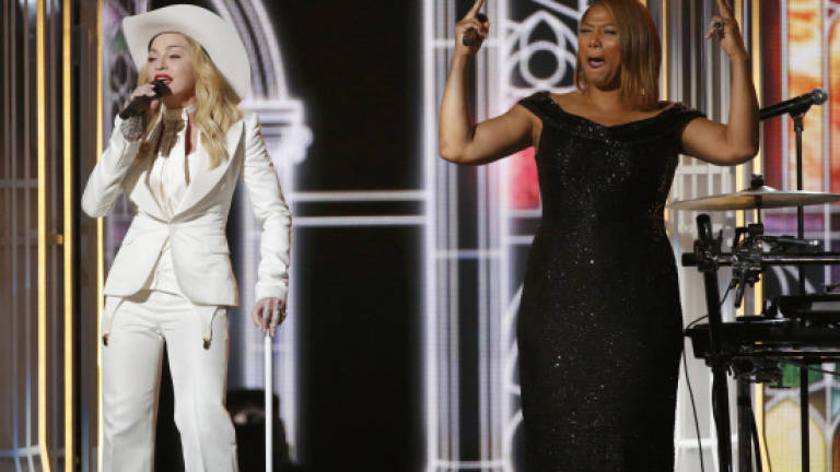 Grammys turn mass wedding in gay marriage celebration