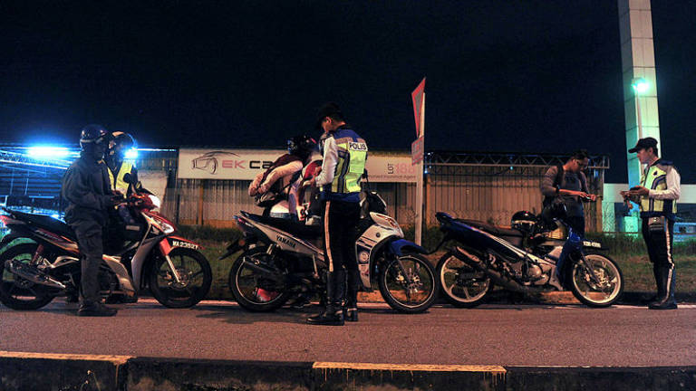 KK cops issue 33 summonses for various traffic offences