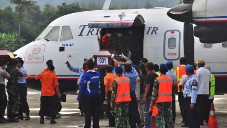 All victims of Indonesia plane crash recovered from jungle