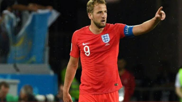 54abd54971d England s Kane gang eye last 16