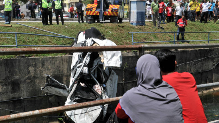 Three people killed in accident at Puchong