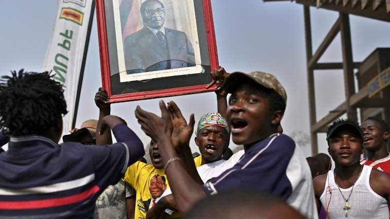Confusion as Mugabe's family, government squabble over burial site