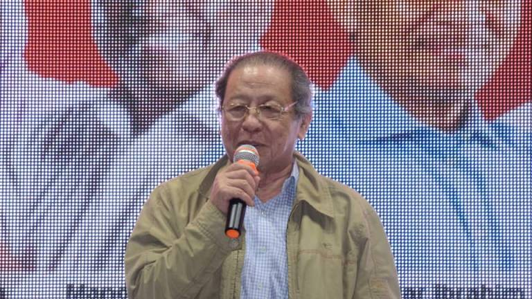 Mahathir wrong to label Dong Zong racist: Kit Siang
