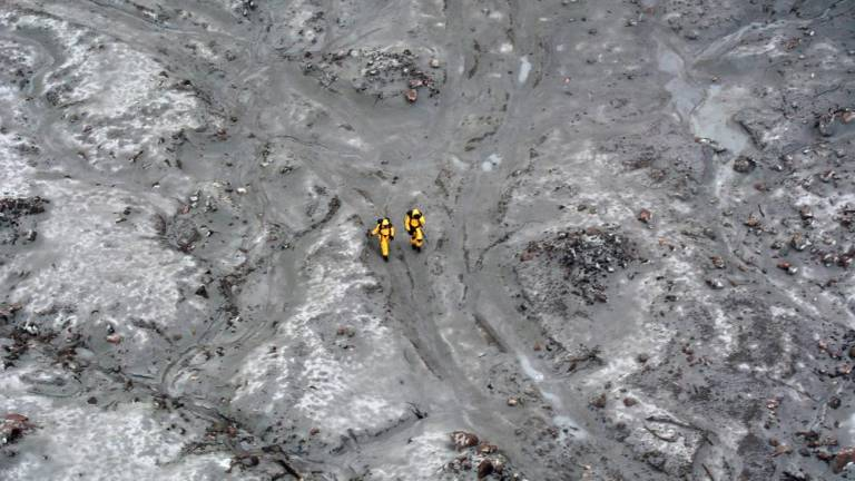 NZ troops complete daring volcano mission to retrieve bodies