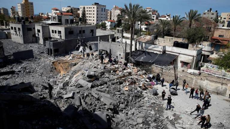 Israeli warplanes hit Gaza after Palestinian rocket attack