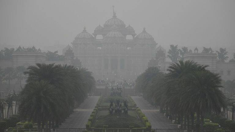 Delhi suffocates under toxic smog but millions go without masks