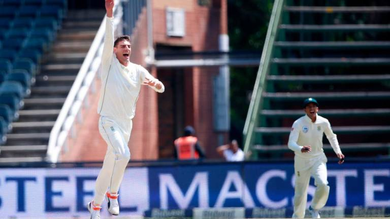 Olivier sparks South Africa to sweep of Pakistan