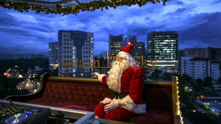 Christmas sleigh restaurant rides into tropical Malaysia