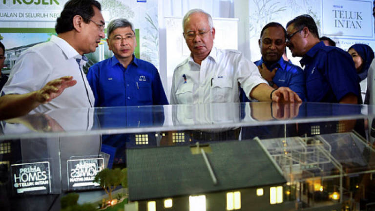 Najib brings good news to Teluk Intan