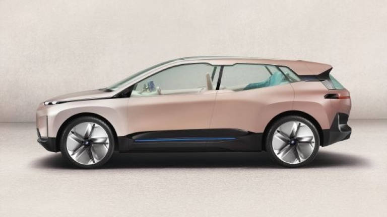 BMW Vision iNext celebrates world premiere in LA