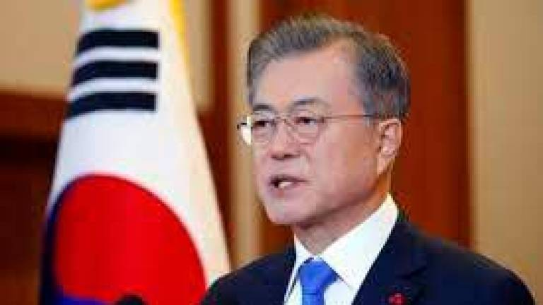 Pyongyang summit deal shpuld be fulfilled, Moon says in aniversary message