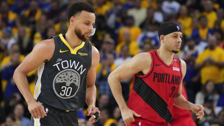 Warriors survive Blazers to take 2-0 series lead
